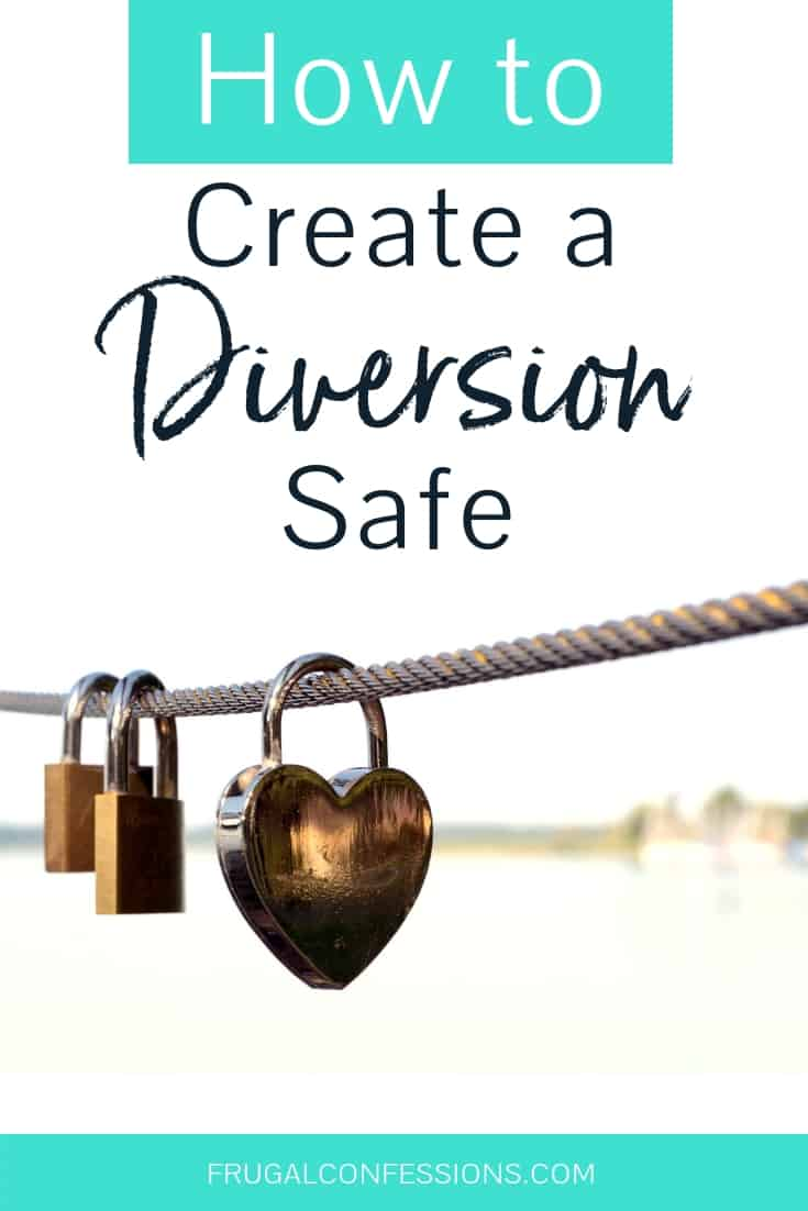 """rope with heart locks on it with text overlay """"how to create a diversion safe"""""""
