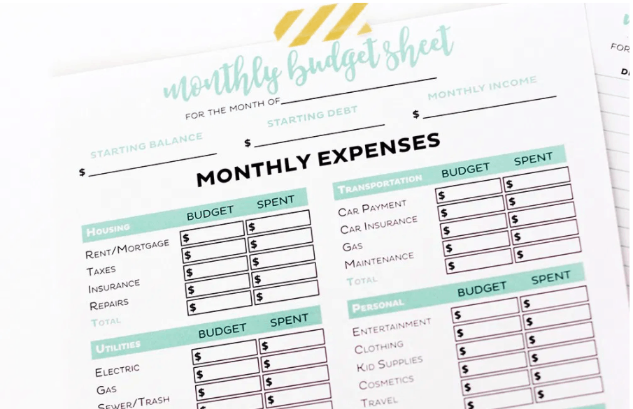 screenshot of printable crush's cute monthly budget sheet